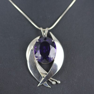 Silver amethyst pendent